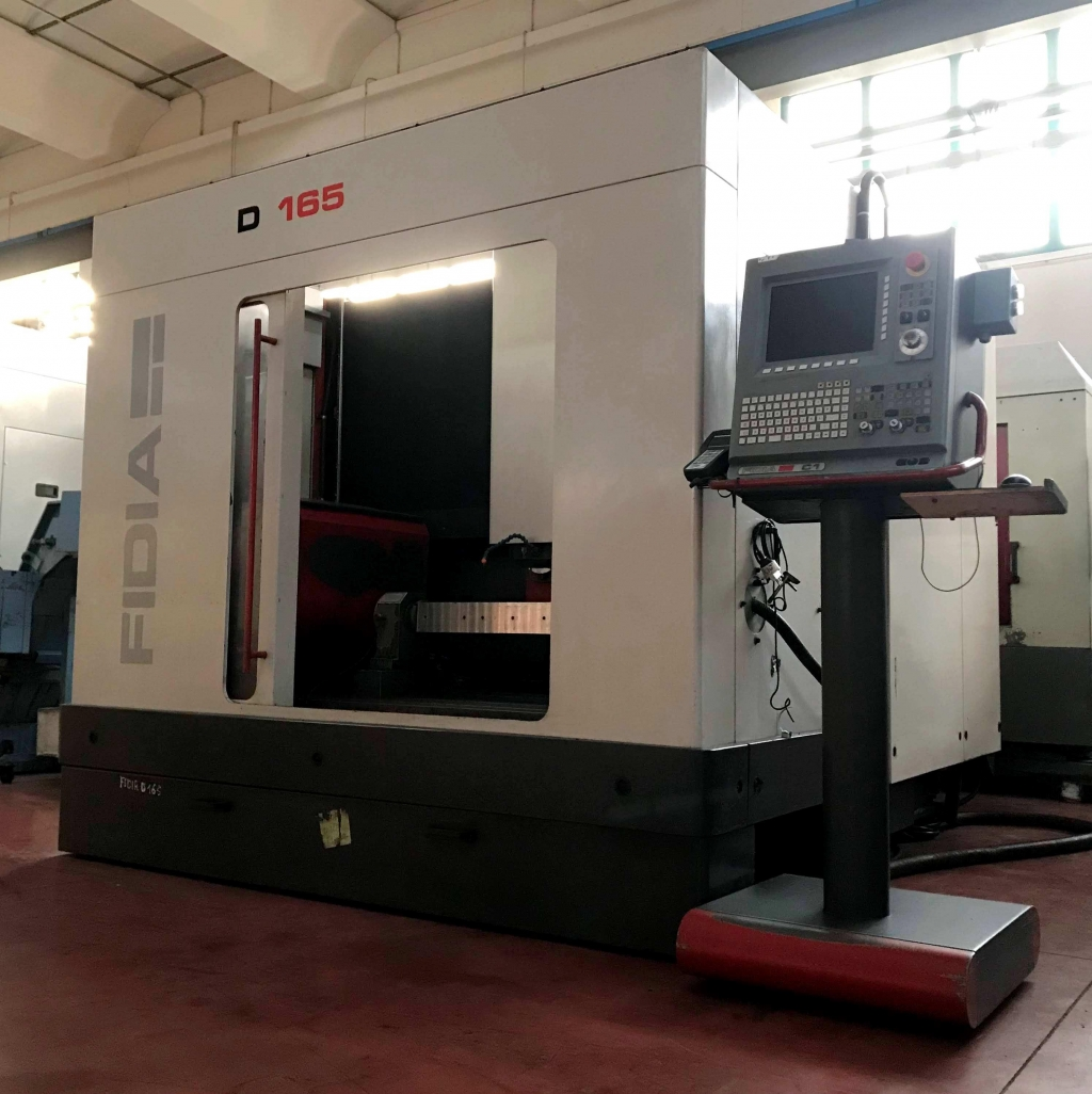 Centro di lavoro a 5 assi FIDIA D165 - Foto integrale macchina