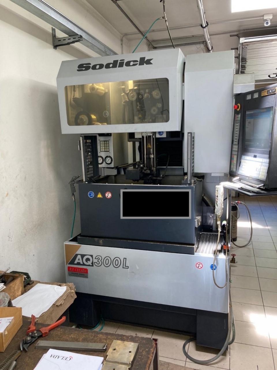Elettroerosione a filo SODICK AQ300L - Foto integrale macchina