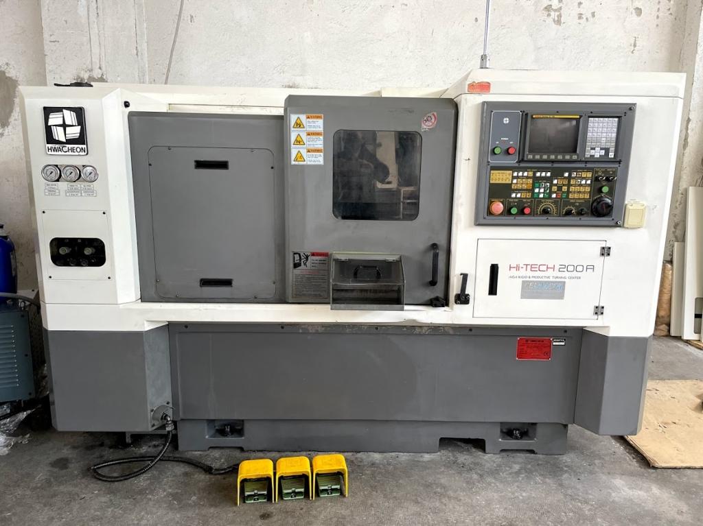 Tornio motorizzato Hwacheon HT 200A I - Foto integrale macchina