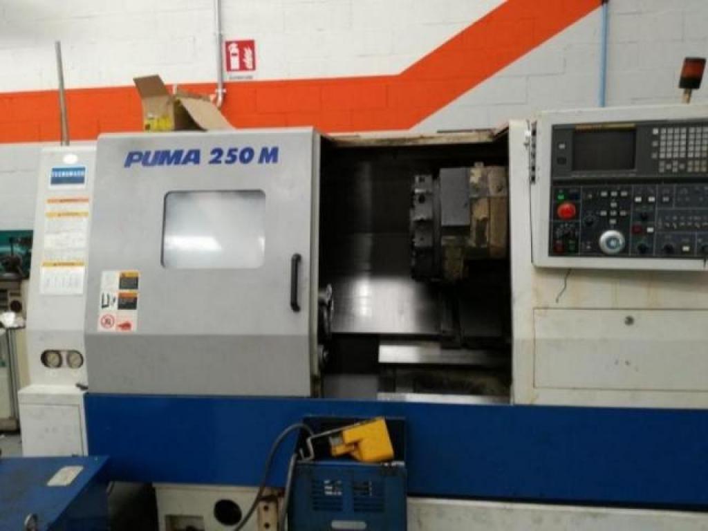 TORNIO ORIZZONTALE CNC MOTORIZZATO DAEWOO  PUMA 250M - Foto integrale macchina